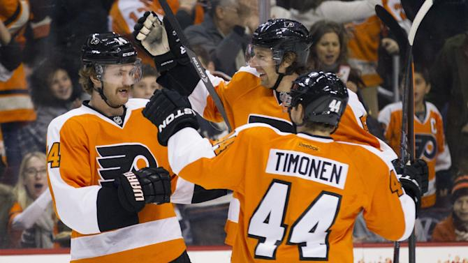 Flyers beat Jets 2-1 in early day game