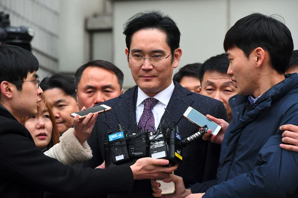 S. Korea court rejects arrest warrant for Samsung heir