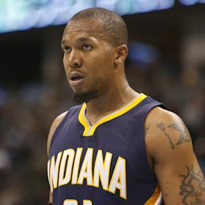 David West takes massive pay cut to sign with Spurs