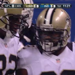 New Orleans Saints running back Mark Ingram runs right for 17 yards