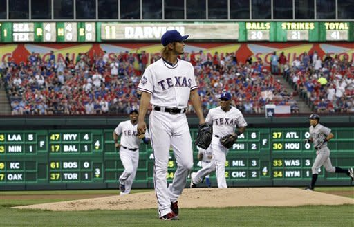 Darvish wins ML debut in Rangers' 11-5 win over Ms