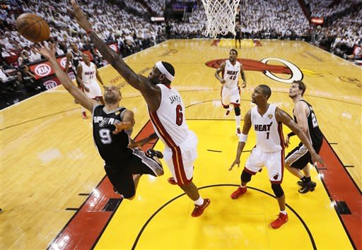 Spurs rally to stun Heat in Game 1 of NBA Finals