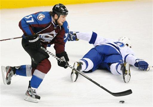 Duchene's goal lifts Avalanche past Lightning 2-1