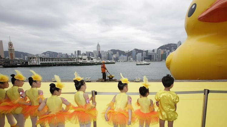 Florentijn Hofman's Floating Duck Sculpture Arrives In Hong Kong