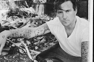 Butch Walker Prepares for Loss on 'Coming Home' – Song Premiere