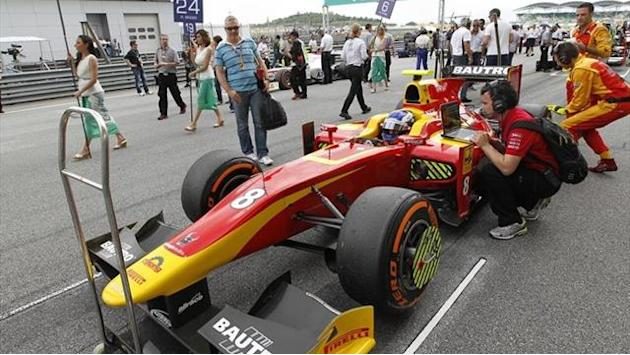 GP2 - Leimer storms to Bahrain GP2 pole