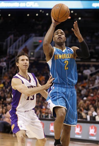 Dudley scores 21 to lead Suns past tired Hornets
