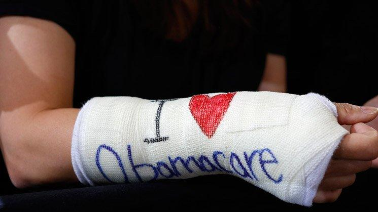 Obamacare Support and Sign Ups Surge on Deadline