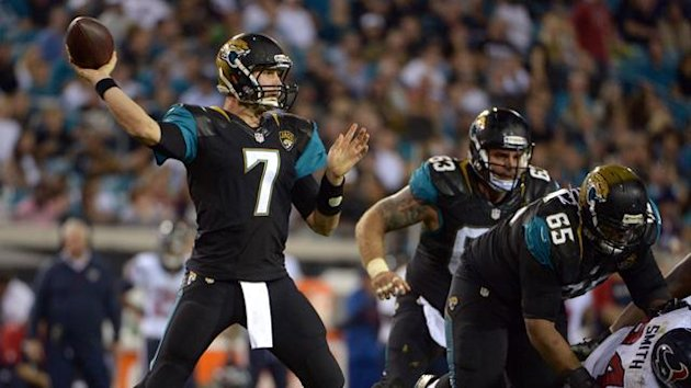 Jacksonville, FL, USA; Jacksonville Jaguars quarterback Chad Henne (7) throws a pass against the Houston Texans at EverBank Field. The Jaguars defeated the Texans 27-20. (Reuters)