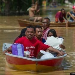 More Than 160,000 Evacuated From Worst-Ever Floods In Malaysia