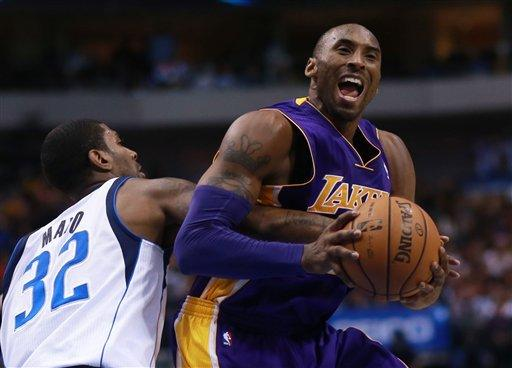 Lakers start hot, roll past Mavericks, 115-89