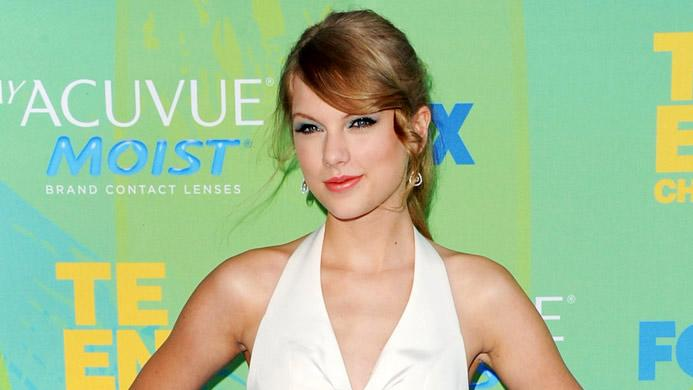 Taylor Swift Teen Choice Awards Arrivals
