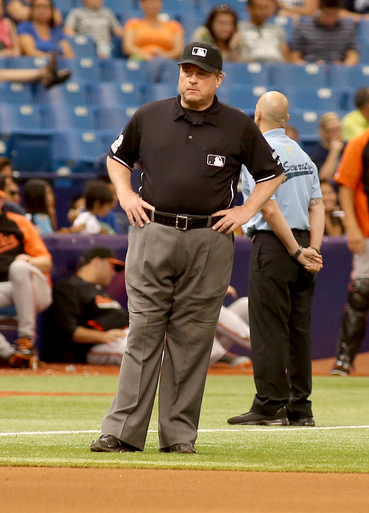 Davis and West are umpire crew chiefs for LCS - Yahoo Sports