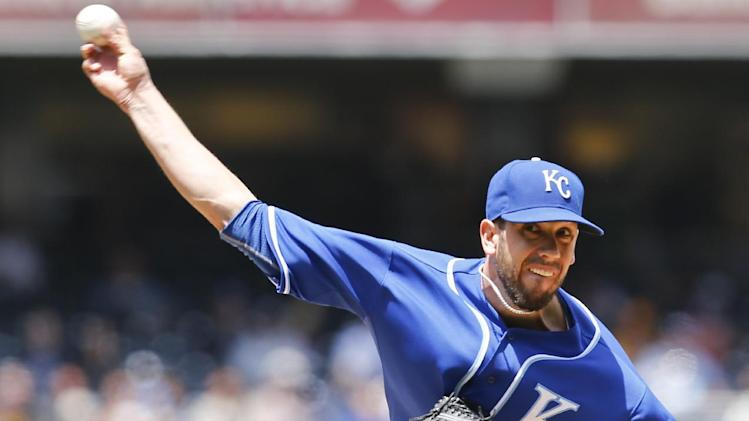 Shields pitches Royals past Padres 8-0