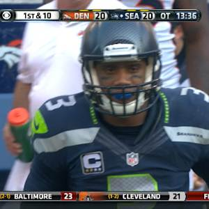 Russell Wilson scrambles for 5-yard gain