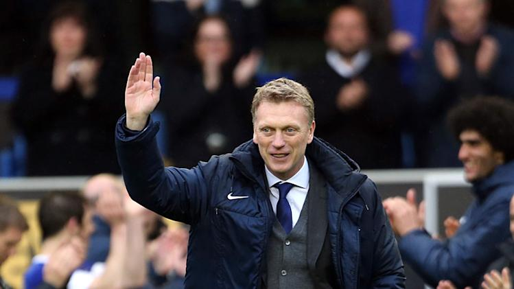 Everton manager David Moyes waves to the fans after their English Premier League match against West Ham United at Goodison Park, Liverpool, Sunday May 12, 2013. Moyes is taking over from Alex Ferguson at Manchester United at the end of the season after leading Everton for 11 years. (AP Photo/PA, Lynne Cameron) UNITED KINGDOM OUT  NO SALES  NO ARCHIVE