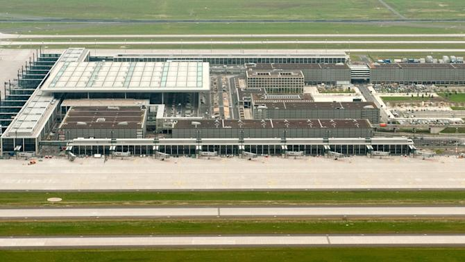 Berlin airport delayed again, sparks embarrassment