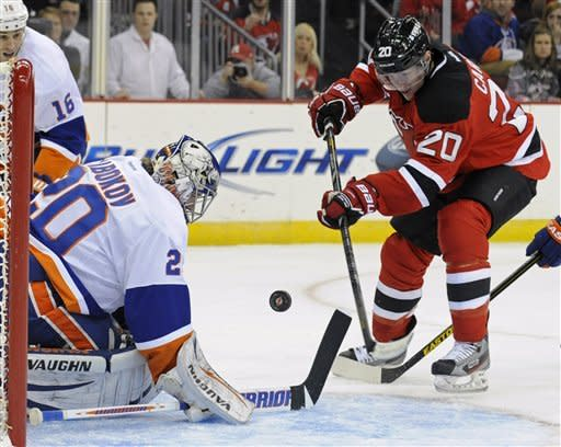 Boyes scores on OT power play to give Isles win