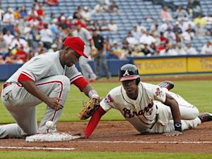 Phils put Mayberry on DL and recall Ruf