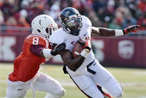 Virginia Tech tops Virginia on late kick 17-14