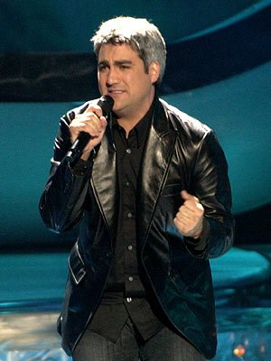 Taylor Hicks performs on May …