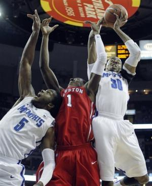 Thomas scores 22 as No. 21 Memphis beats Houston