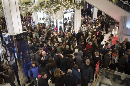 U.S. retailers miss fewer Christmas deadlines: early surveys