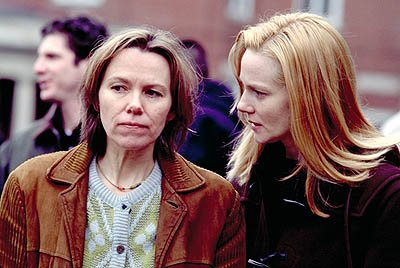 Lucinda Jenney and Laura Linney in Screen Gems' The Mothman Prophecies