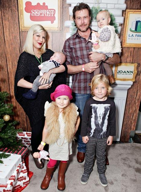 "Tori Spelling, Dean McDermott Have ""Family Workouts"" With Kids Once a Week"