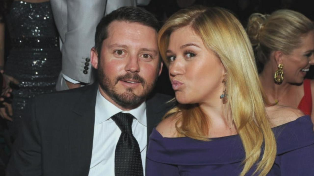 Kelly Clarkson Gets Sunny Birthday Surprises From Husband Brandon Blackstock