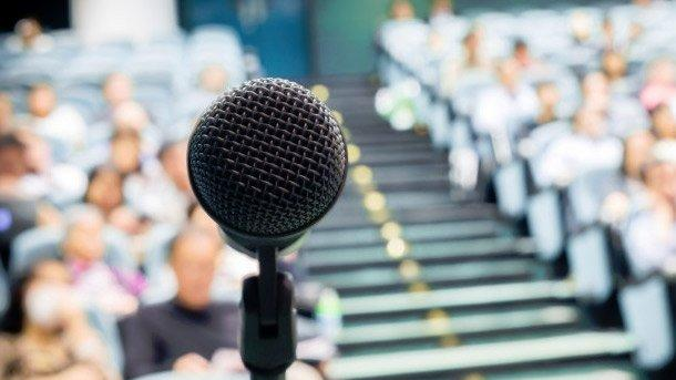 How to Overcome Your Fear of Public Speaking