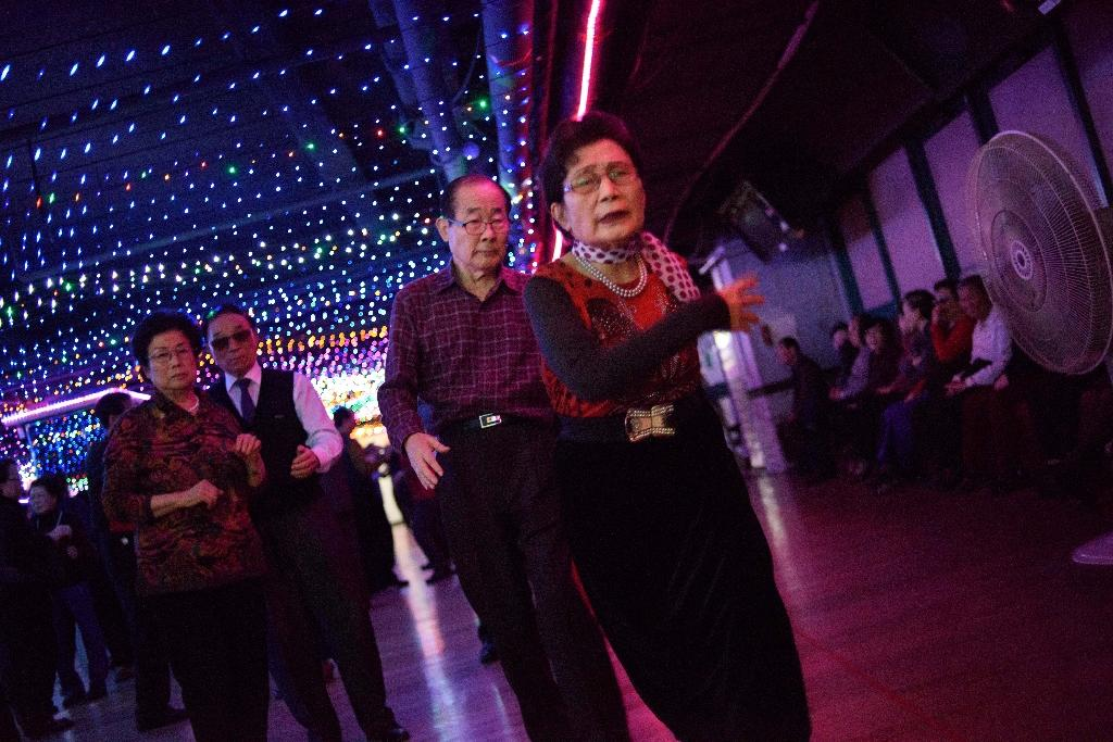 'Monday Afternoon Fever' in South Korea's old-age discos