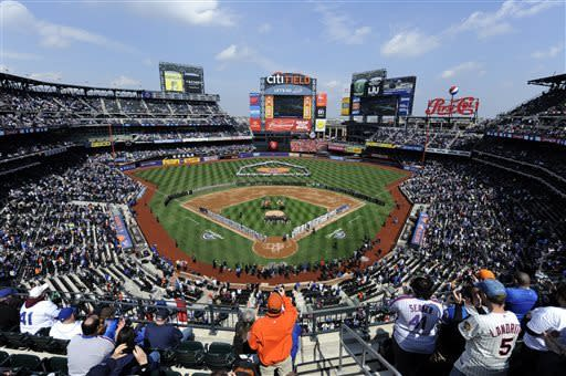 Niese, newcomers lead Mets to 11-2 rout of Padres