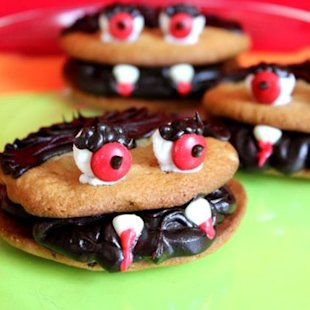 Your fangs will come out for these cookies.