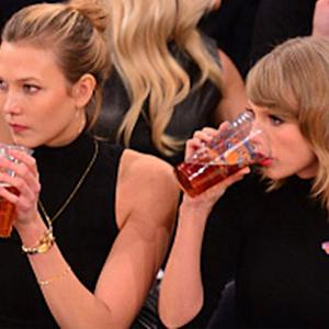Taylor Swift Drinks Beer, Cheers New Hometown at a N.Y. Knicks Game