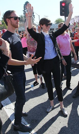 Anne Hathaway dons suit for One Billion Rising