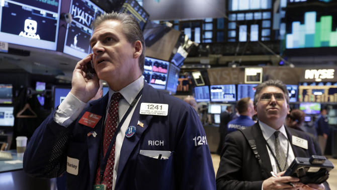 Stocks edge lower as earnings fail to inspire