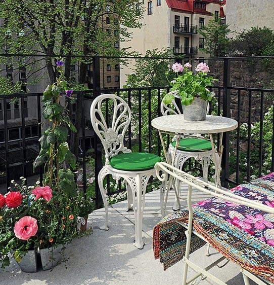 Set the Style with Patio Furniture