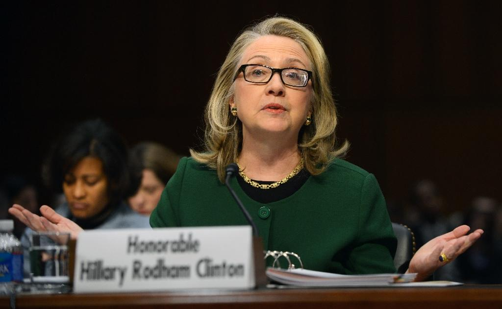 Emails offer rare glimpse into Clinton's personal life
