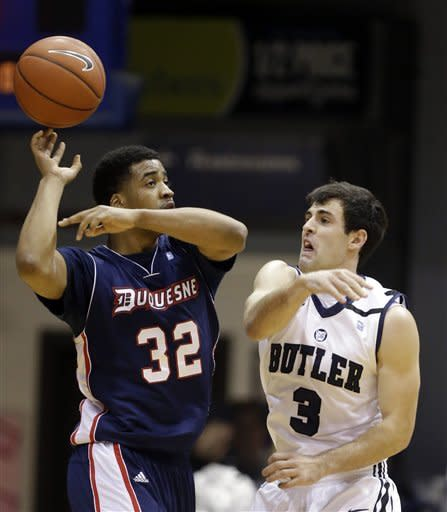 No. 15 Butler rolls past struggling Duquesne 68-49