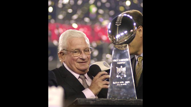 FILE - Baltimore Ravens owner Art Modell is seen with the Vince Lombardi Trophy after the Ravens beat the New York Giants 34-7 in  Super Bowl XXXV in this Jan. 28, 2001 file photo taken in Tampa, Fla. The Baltimore Ravens  said Modell died early Thursday Sept. 6, 2012 at Johns Hopkins Hospital, where he had been admitted Wednesday. A cause of death was not given. (AP Photo/Dave Martin, File)