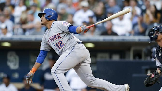 D'Arnaud's hit lifts surging Mets over Padres 5-4
