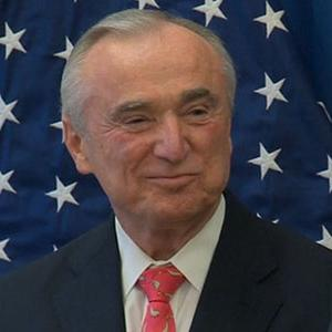 Bratton Named to Lead NYPD