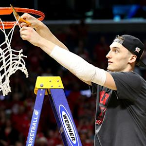 Dekker, depth pushes Wisconsin back to Final Four