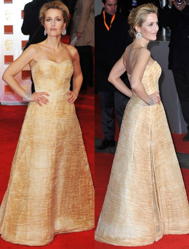 gillian-anderson-red-carpet-fashion-baftas