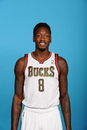 Bucks' Sanders injures thumb, police investigating
