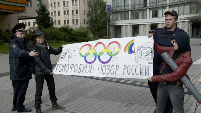 Foes of Russia's anti-gay law ponder new tactics