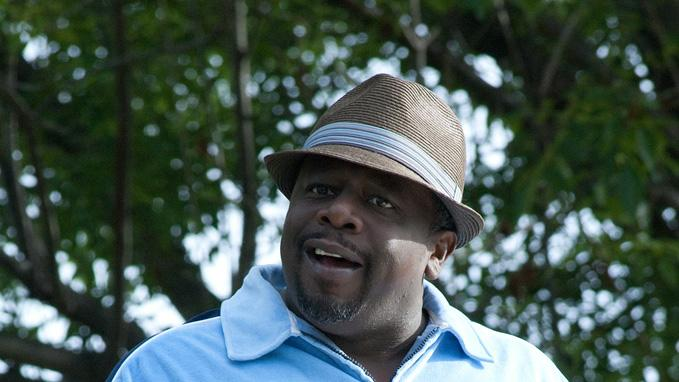 Larry Crowne 2011 Universal Pictures Cedric the Entertainer