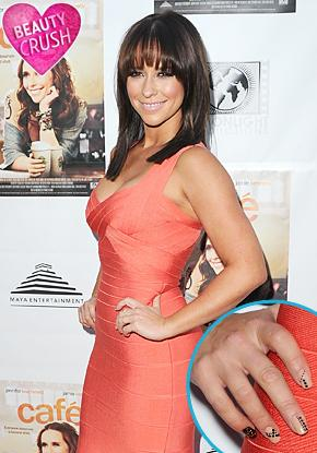 Beauty Crush: Jennifer Love Hewitt's Mix and Match Manicure