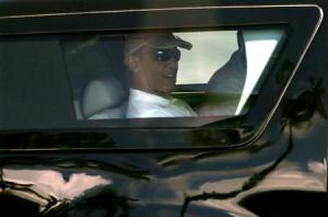 Obama on his way to play golf in Hawaii